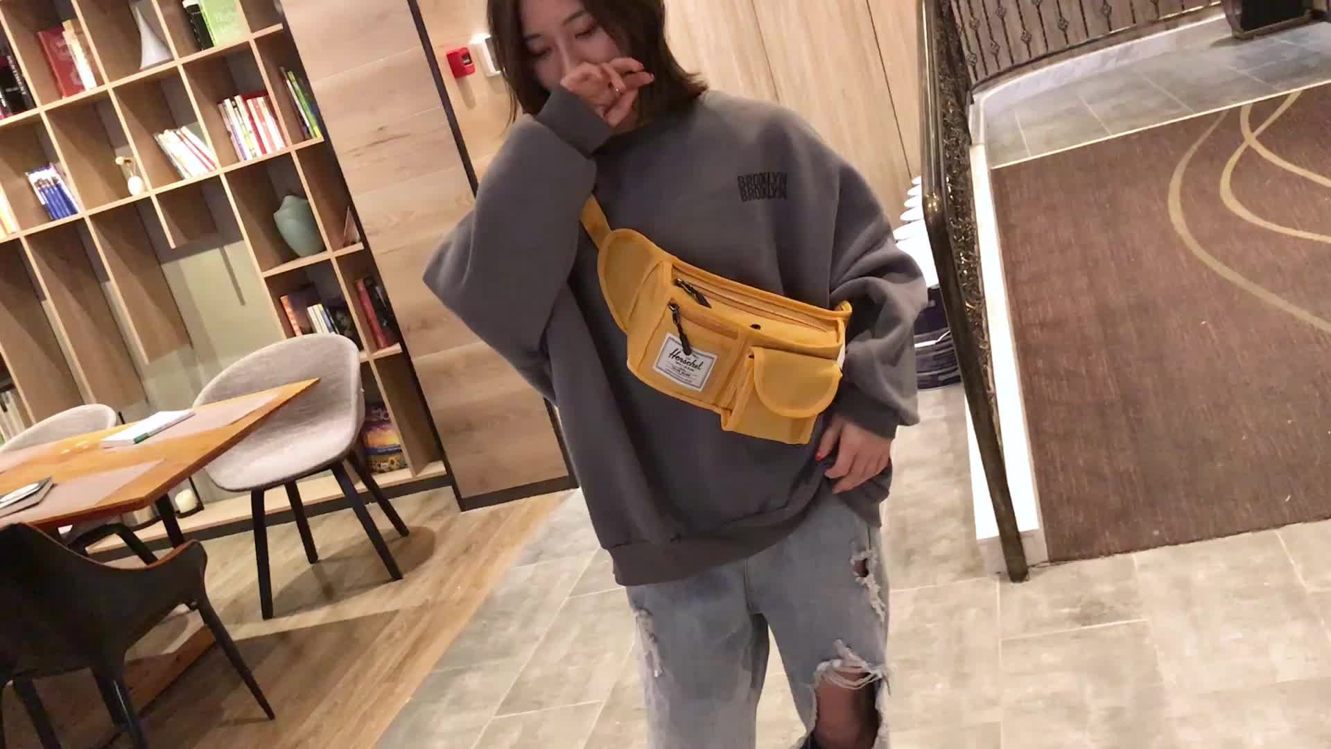 Single shoulder canvas sling bag woman waist bag fanny pack