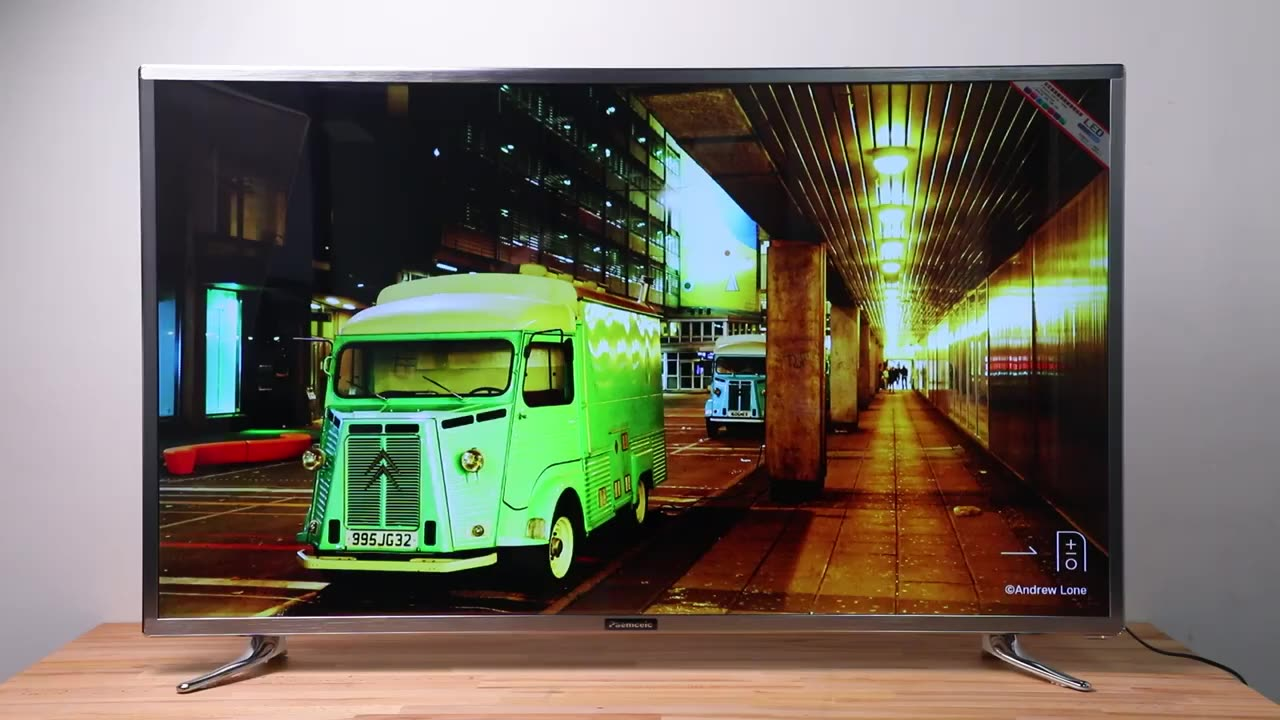 42 /48 inch Smart LED TV with Youtube and Netflix 60Hz Eco-Friendly TV Lightweight and Slim Design