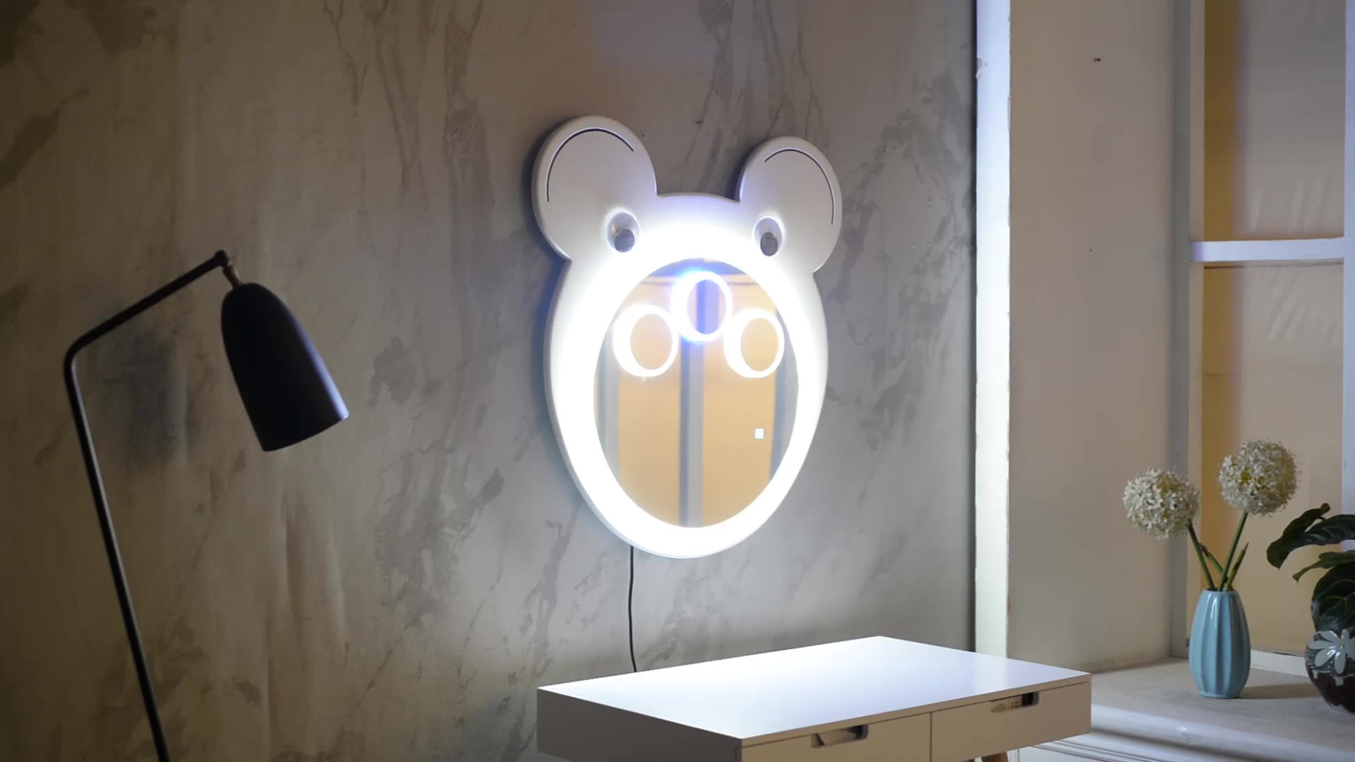Wooden Frame Wall Mounted Mirror Children Cartoon Shape Mirror