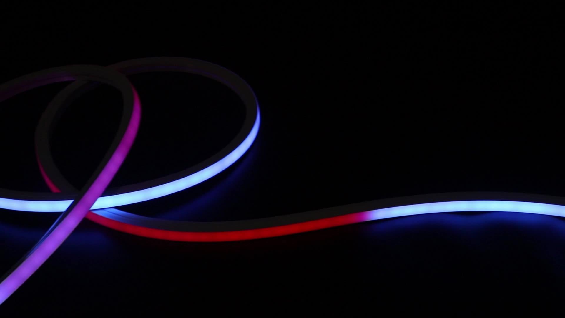 Özel açık dekoratif IP65 su geçirmez DC 24V SMD 5050 çok renkli RGB flex led neon ışık
