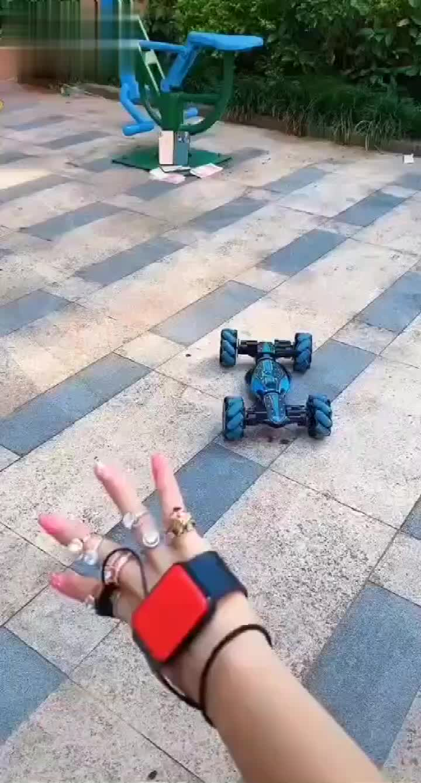 Gesture Sensing Stunt Remote Control Car Children's Light Light Music Twisting Car Deformation Climbing Off-road Vehicle Model