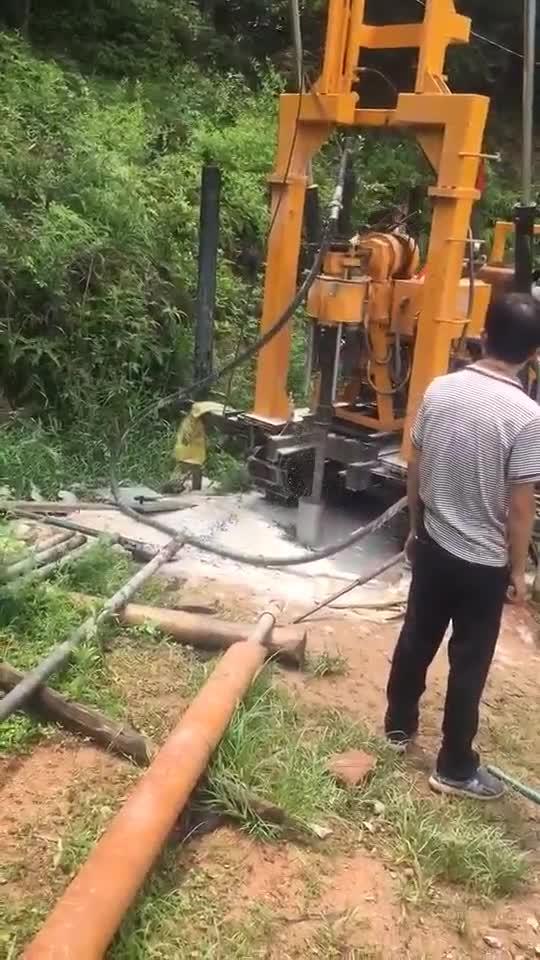 300 m Vrachtwagen gemonteerde hydraulische rotary diepe waterput boorinstallatie