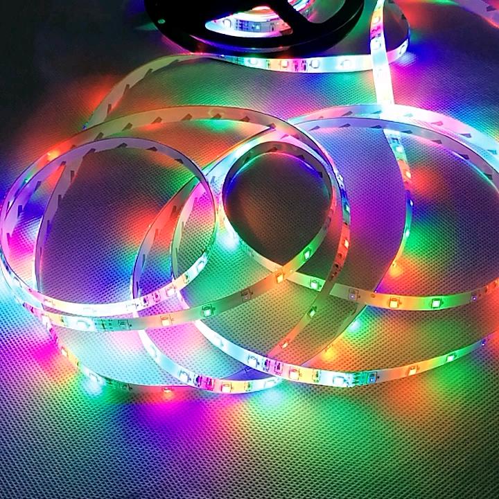 Vente chaude Populaire LED 2835 60leds/m RGB étanche IP65 lumière De Bande Flexible