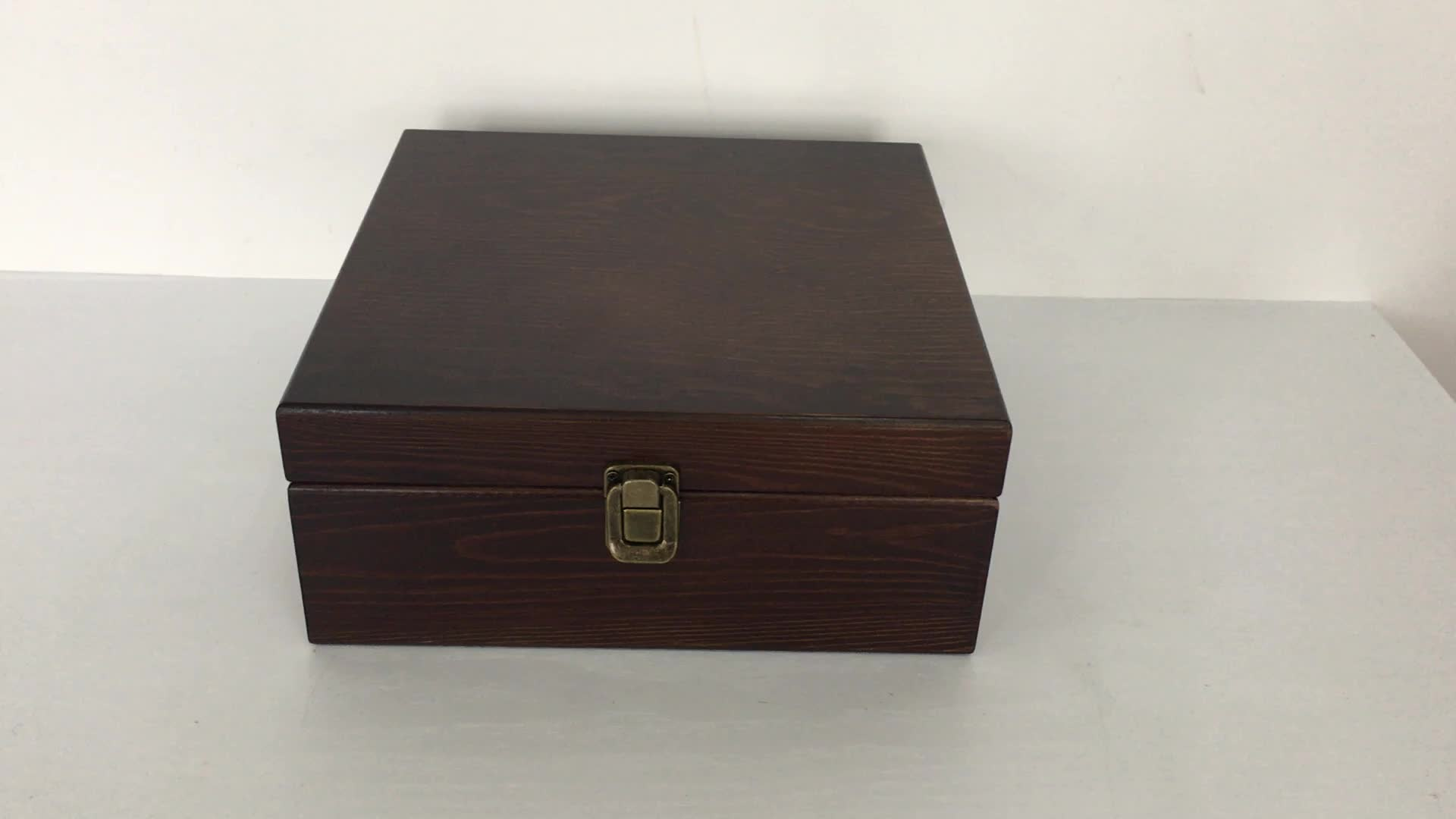 Lacquer wood box with metal initial letter Lacquer jewelry box