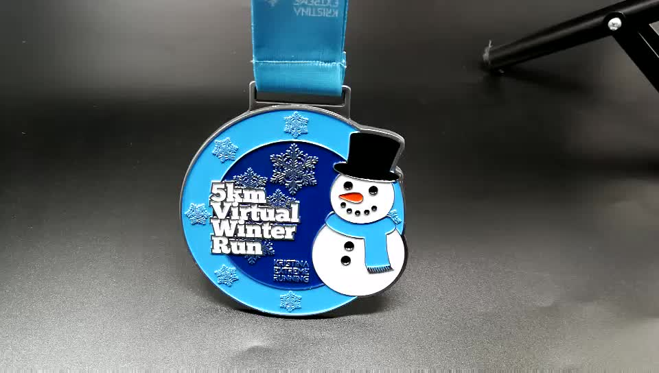 Wholesale soft enamel snowflake custom sports running medal for winter