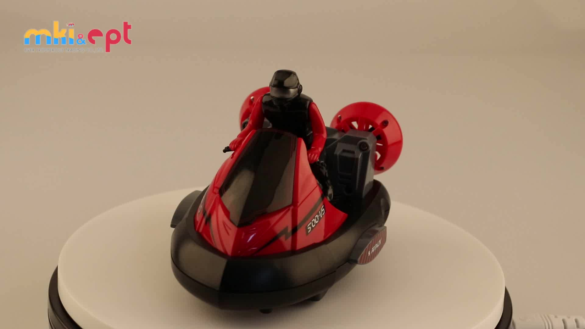 New Design Red Green Battle RC Remote Control Bumper Stunt Car Toy For Competition