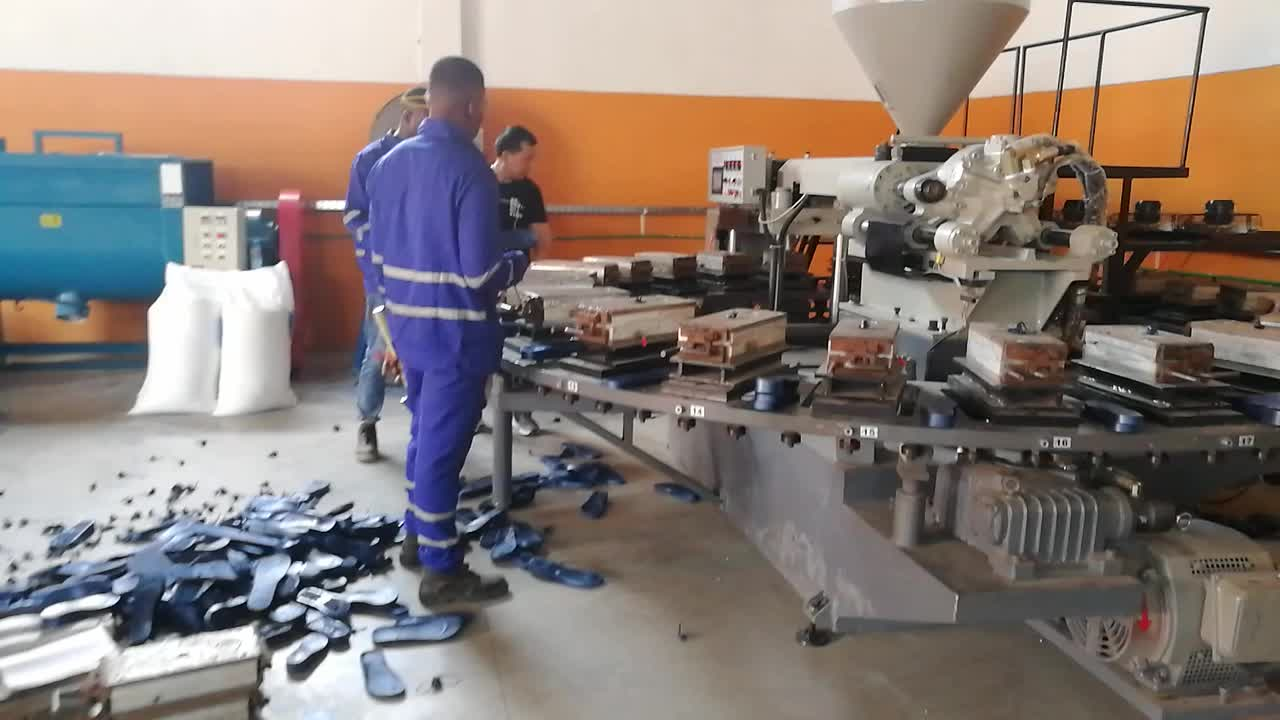 Plastic Flip Flops Making Machine