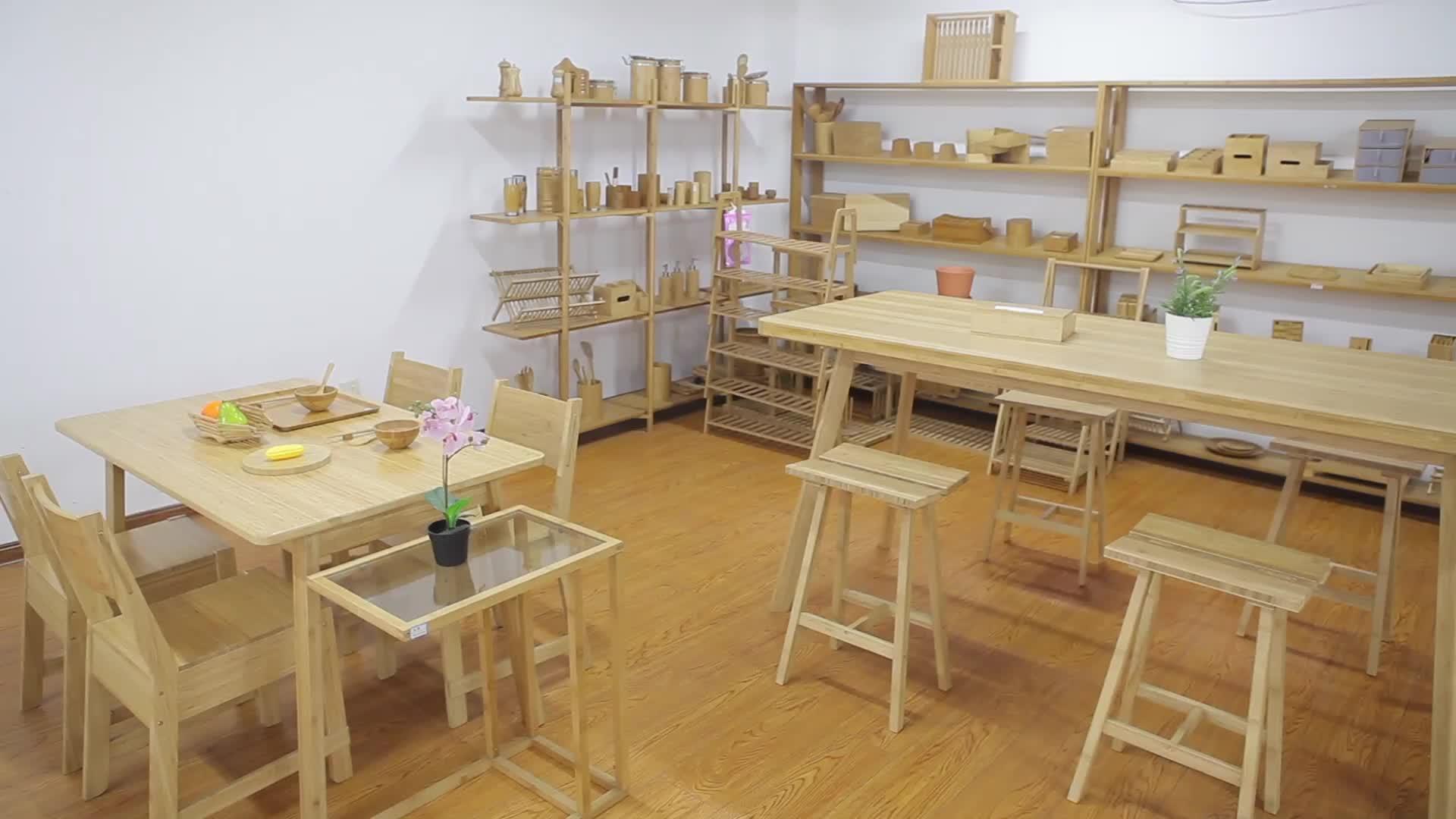 Freistehendes Bücherregal aus Bambus mit 7 Ablagen und rutschfesten Füßen