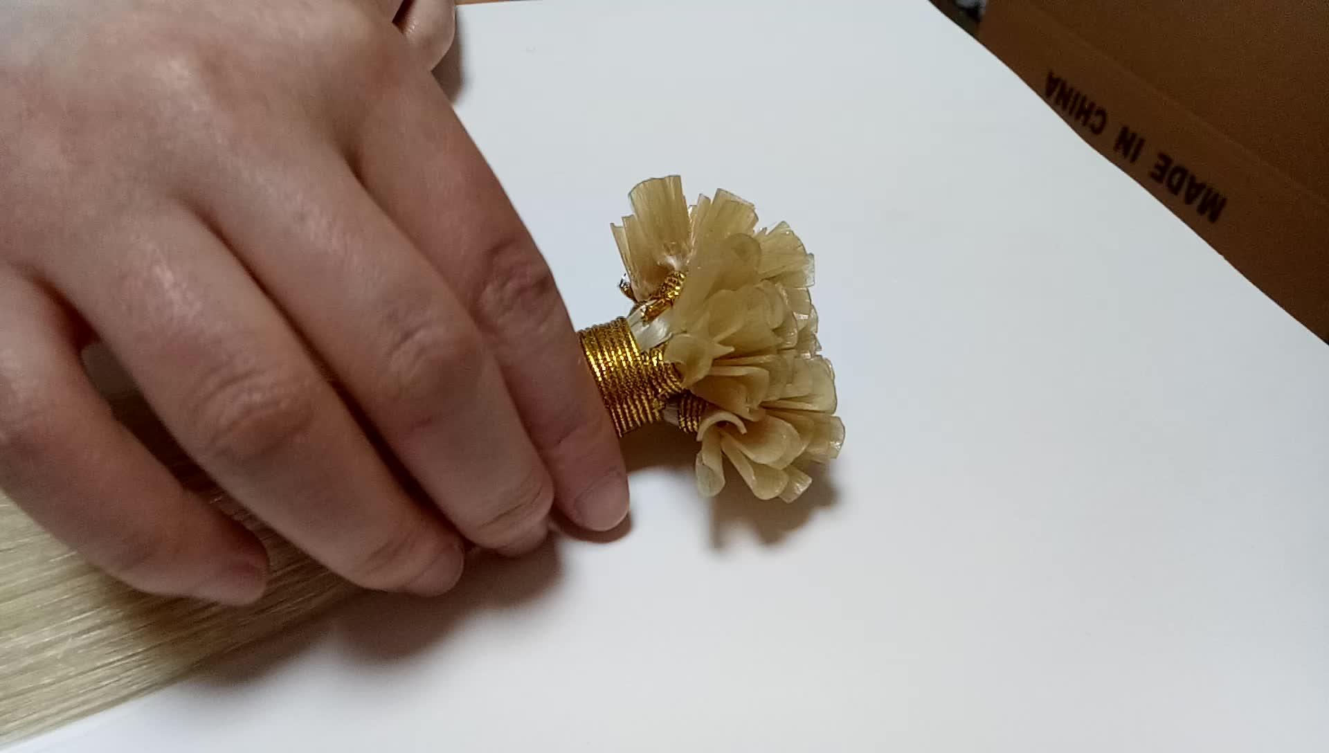 ขายส่งราคาถูก cuticle aligned สีบลอนด์รัสเซีย keratin bond 2 กรัม I tip/U tip 100% virgin remy human hair extension