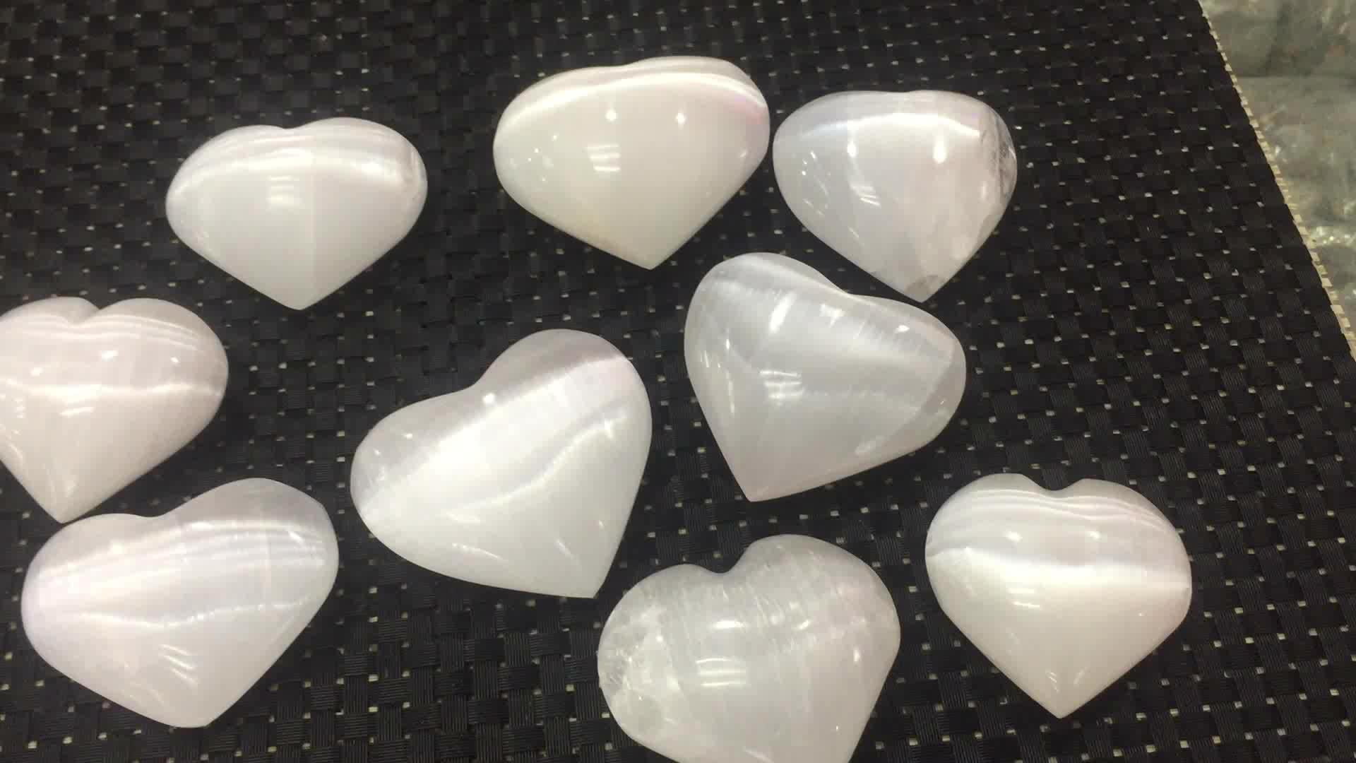 Commercio all'ingrosso Naturale di roccia bianco selenite cuori guarigione di cristallo pietre di palma