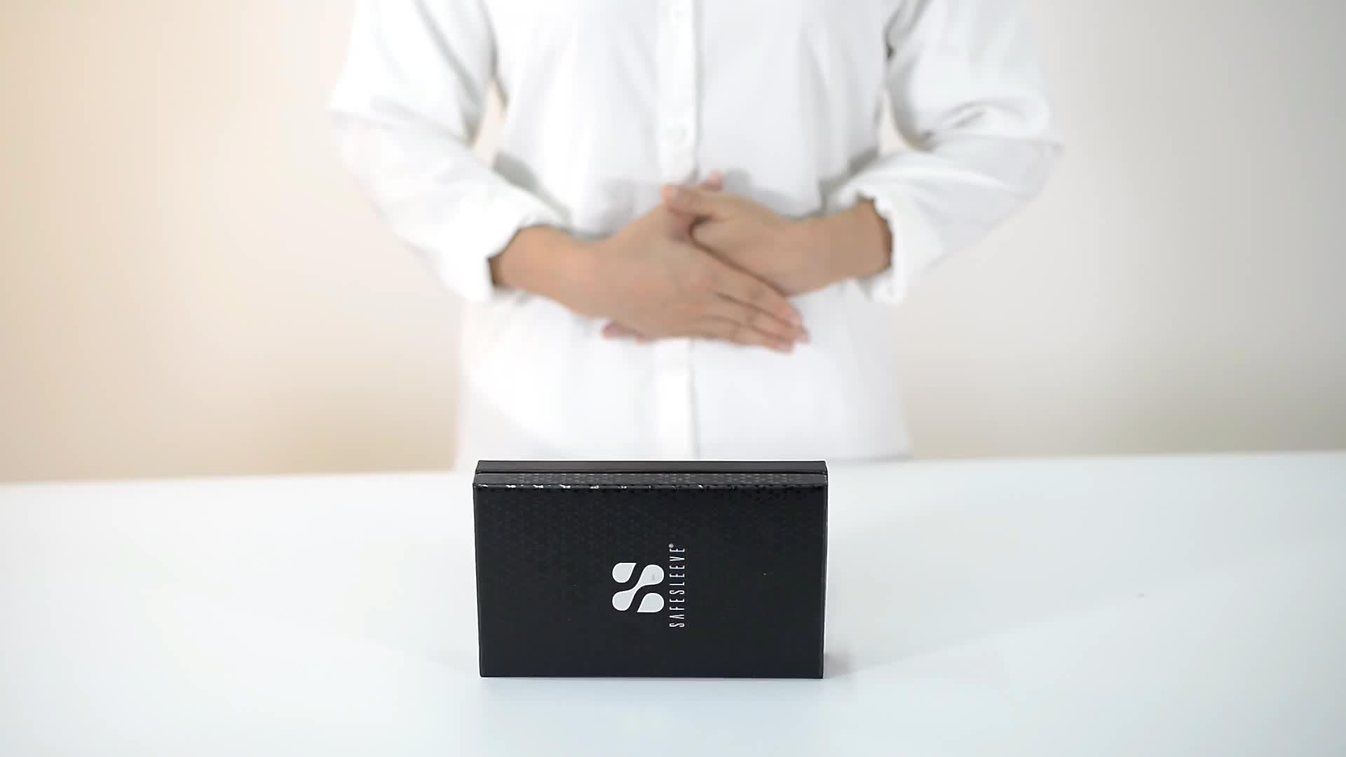 カスタム UV ロゴ高級黒スポンジ内部ギフトベルト財布段ボール包装用のボックス