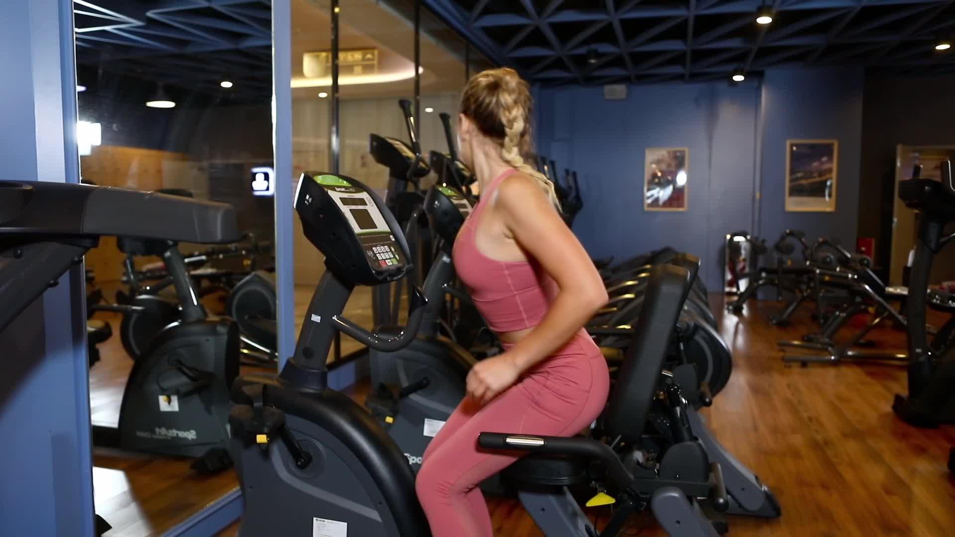 Özelleştirmek fitness yoga giyim seksi kırpma üst spor salonu yüksek darbe spor sutyeni ganimet şort yoga spor seti kadınlar