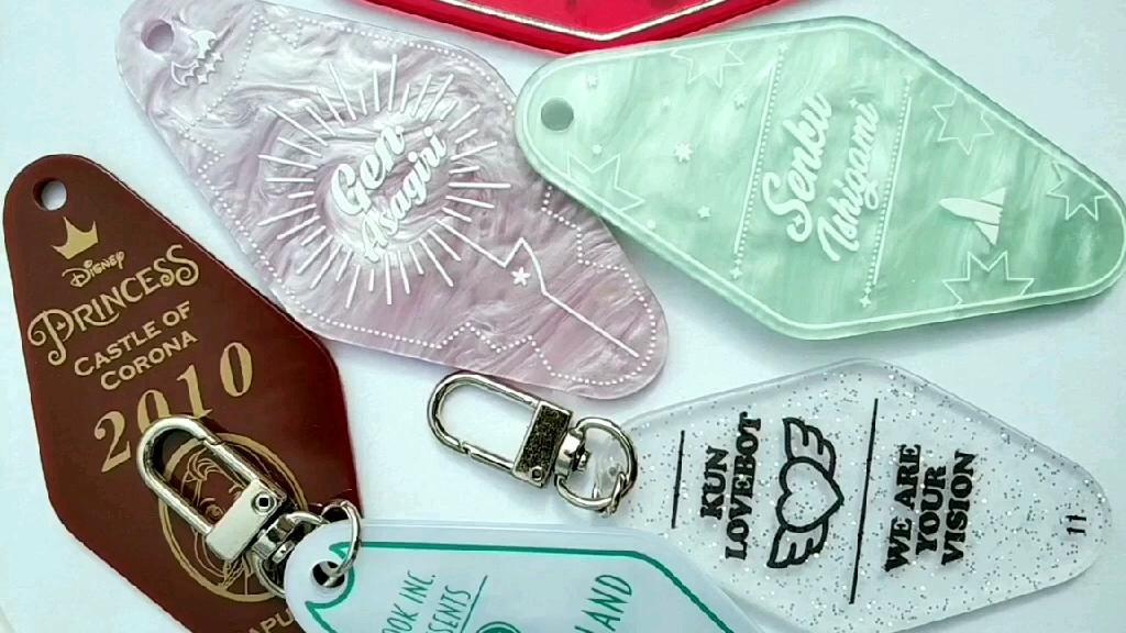 Corée Paillettes transparent acrylique hôtel motel porte-clés porte-clés sac charme filles papillon mignon dessin animé animal paillettes porte-clés