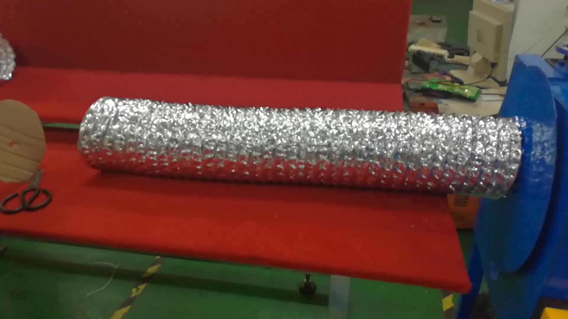 geïsoleerde aluminium flexibele slang machine