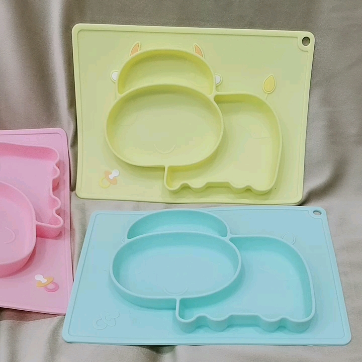 Baby Suction Placemat BPA Free Infant Non Slip Silicone Portable plate for Kids Led Weaning and Finger Food Meals