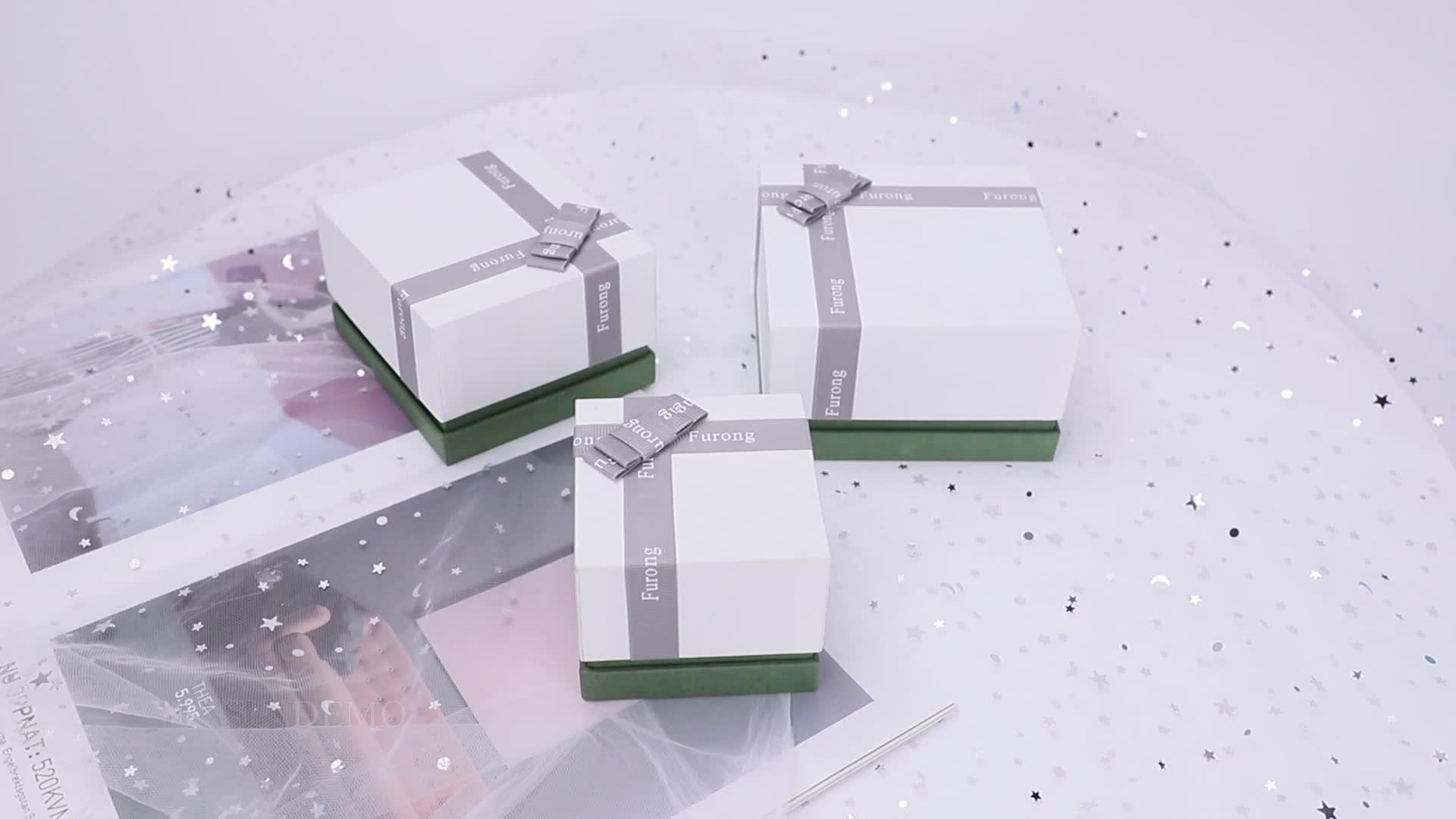 कस्टम लक्जरी कागज नालीदार गहने उपहार पैकेजिंग बॉक्स