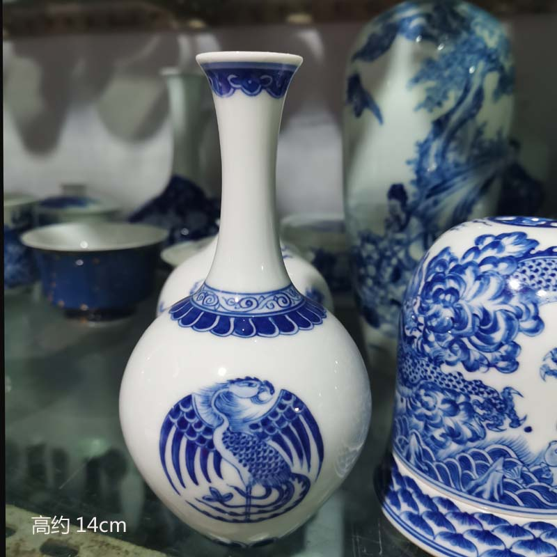 Jingdezhen porcelain hand - made dragon small group small grain porcelain vase rich ancient frame 13 high dragon vase
