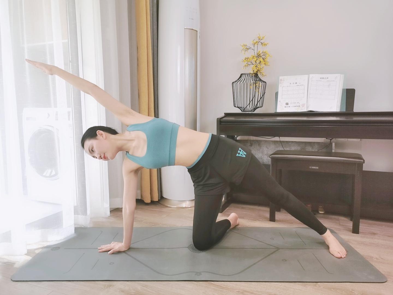 选择高弹瑜伽裤,几个体式带你无痛开髋
