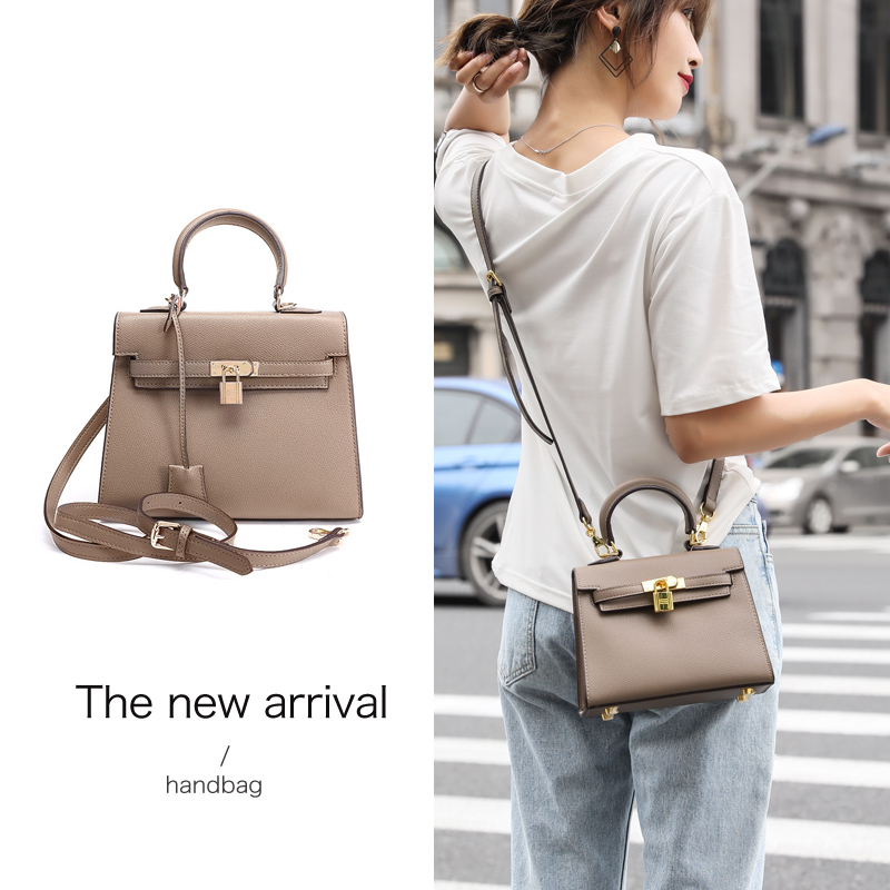 cc9041502bde Korean version of the bag female 2018 new wild fashion Kelly bag texture Messenger  bag female