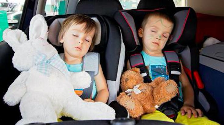 夏季高温,当心车里的孩子