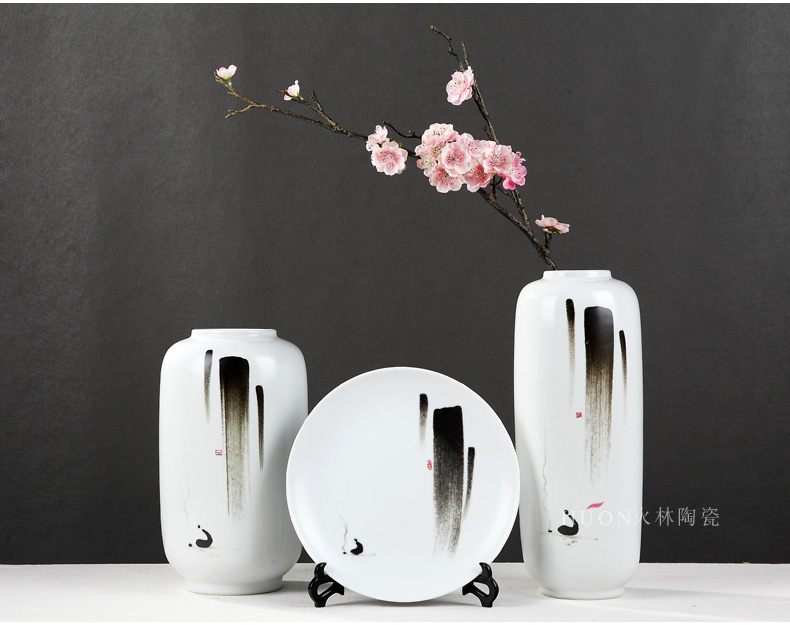 The New Chinese vase zen ink ceramic flower arranging dried flowers sitting room TV cabinet table wine porch is decorated furnishing articles