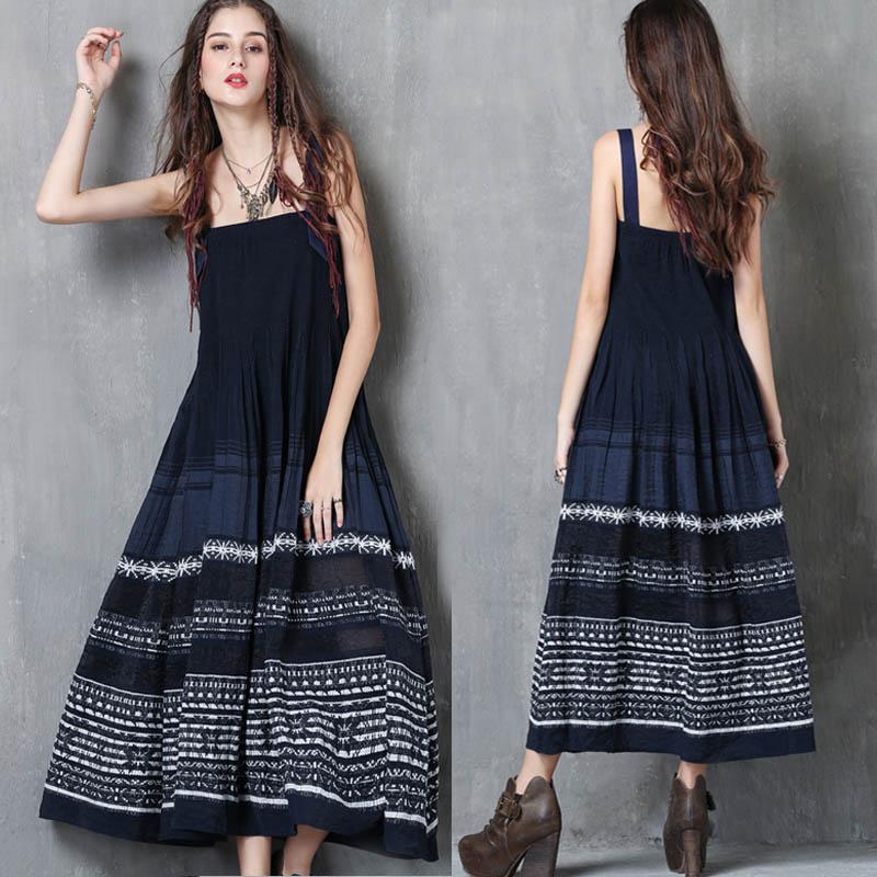 2019春夏新款气质宽松显瘦吊带连衣裙女民族复古刺绣减龄背带长裙