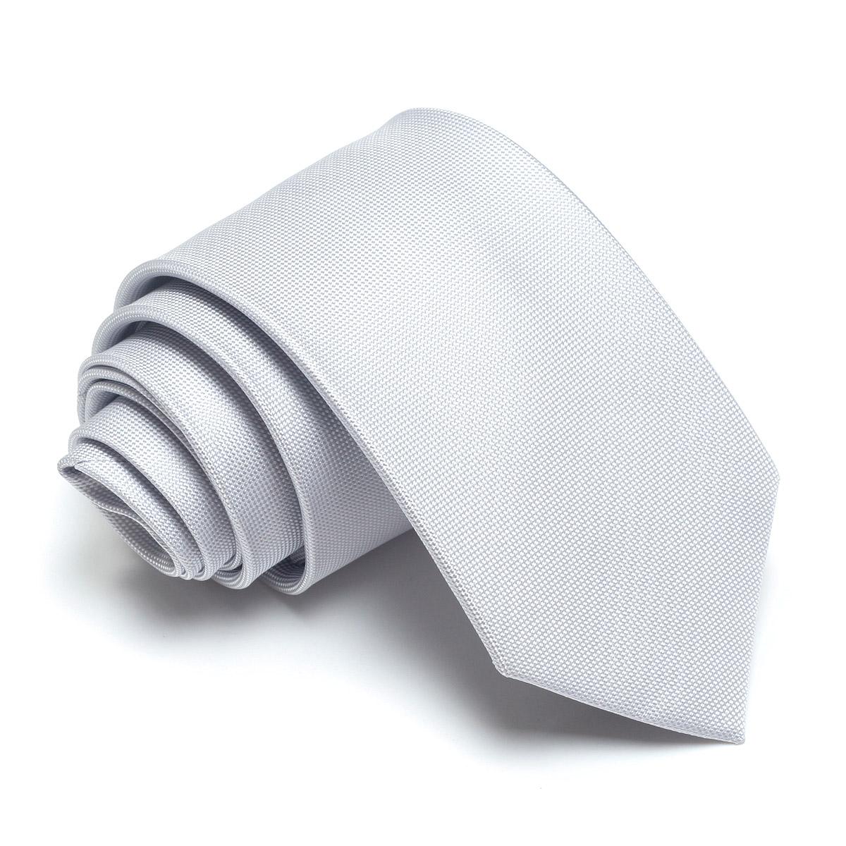 Цвет: серебристо-белый