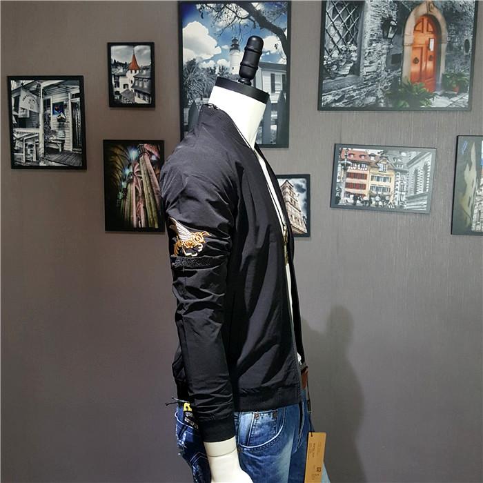 Đặc biệt hàng ngày thêu siêu mỏng nam ong thêu Slim đồng phục bóng chày Hàn Quốc phiên bản của áo khoác màu trắng áo khoác mỏng