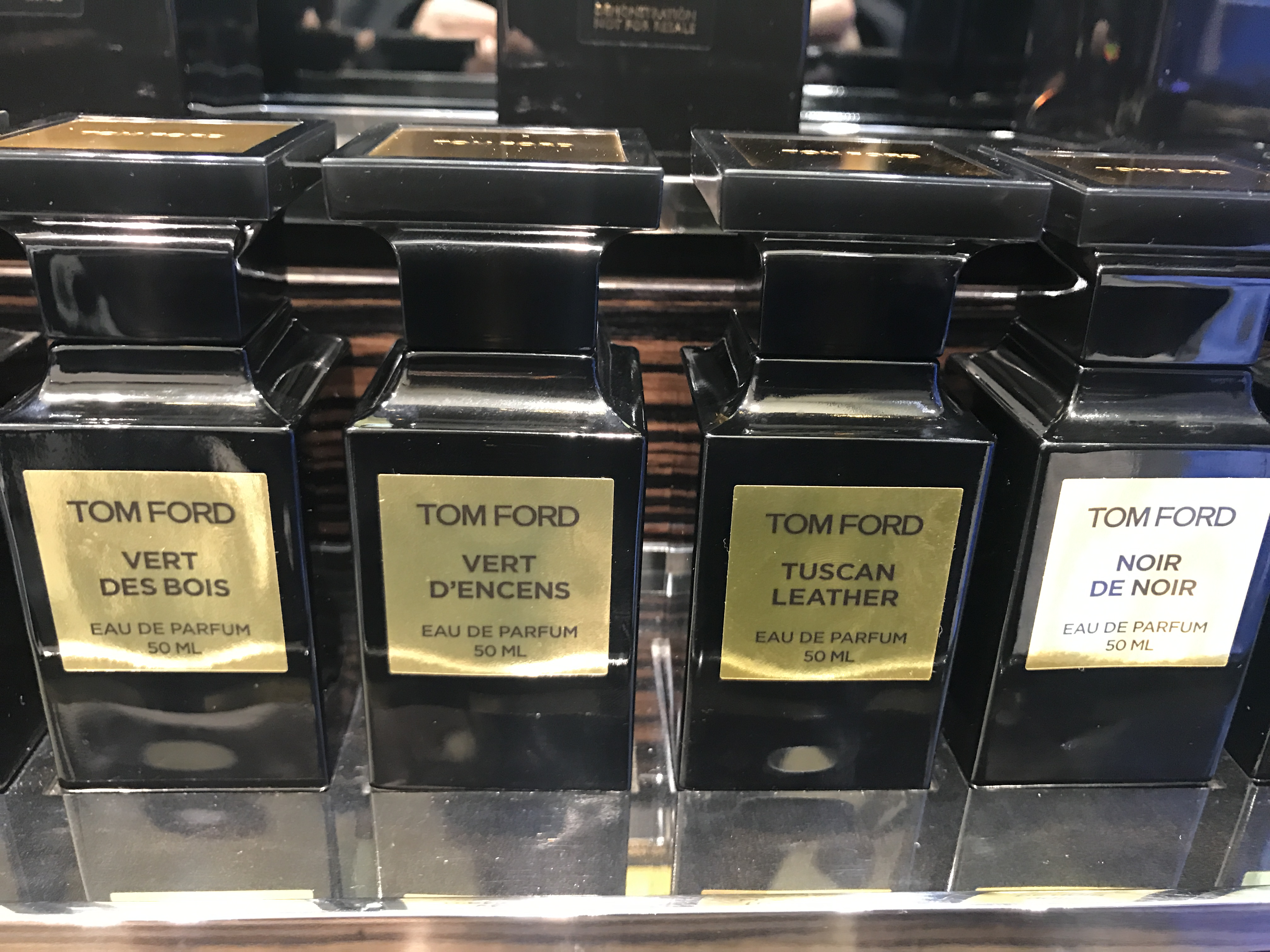 usd sf spot tf tom ford perfume oud wood white. Black Bedroom Furniture Sets. Home Design Ideas