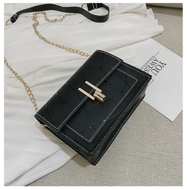 Hong Kong style shoulder bag Korean version of the oblique laser stitching small square package XC190420118568