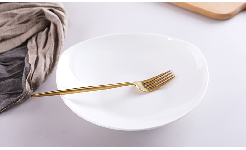 Plate of household ceramic dishes creative triangular Plate pasta salad dish Plate Plate pure white ipads porcelain FanPan deep dish