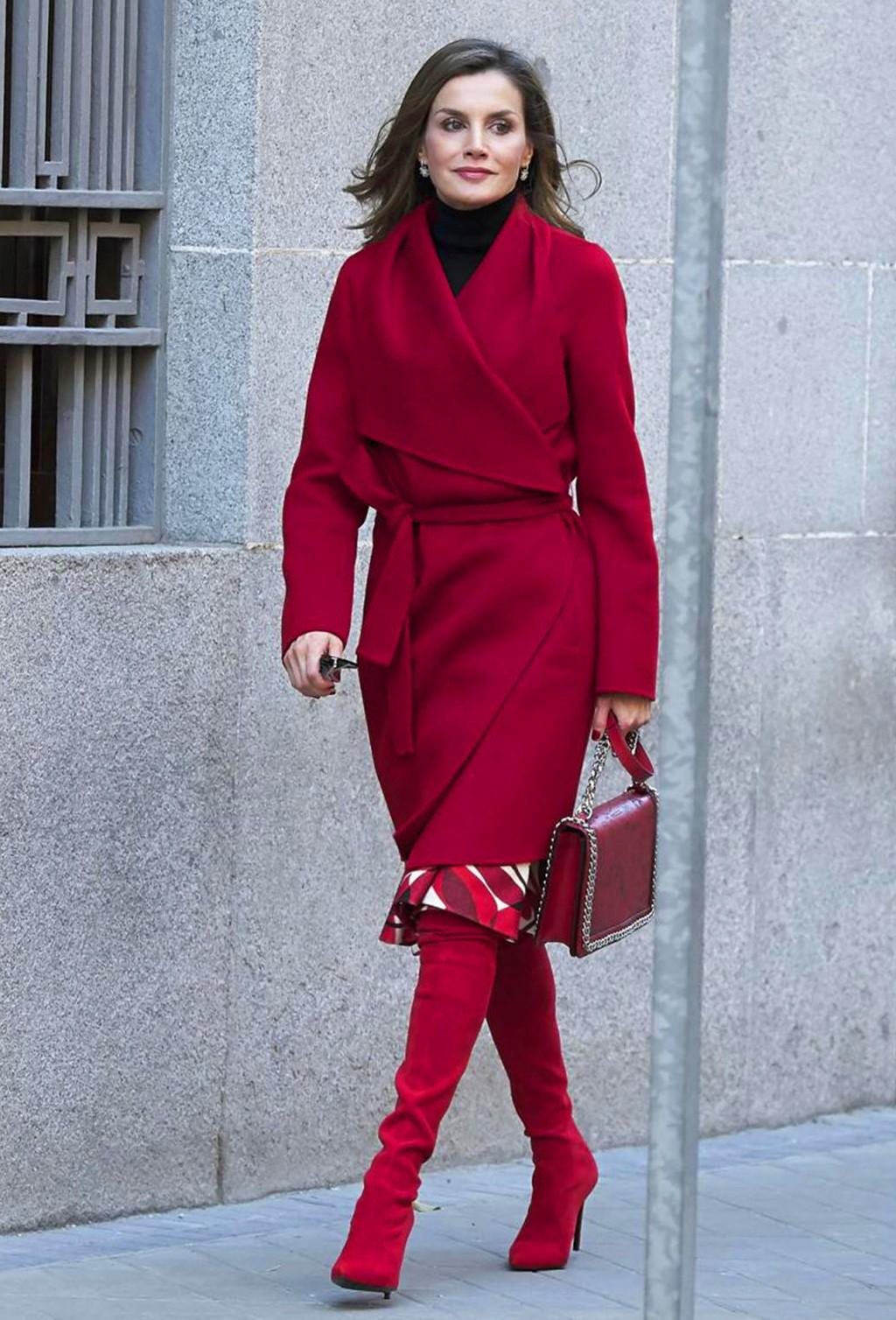 长靴别老穿黑色,今冬这个颜色才时髦!