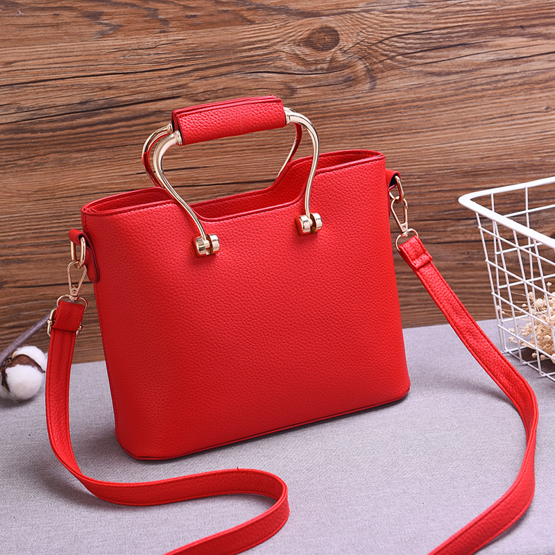 066f53b8553b Bag female 2018 New wild messenger bag small Korean version of the big red  shoulder bag Bride Wedding handbag tide