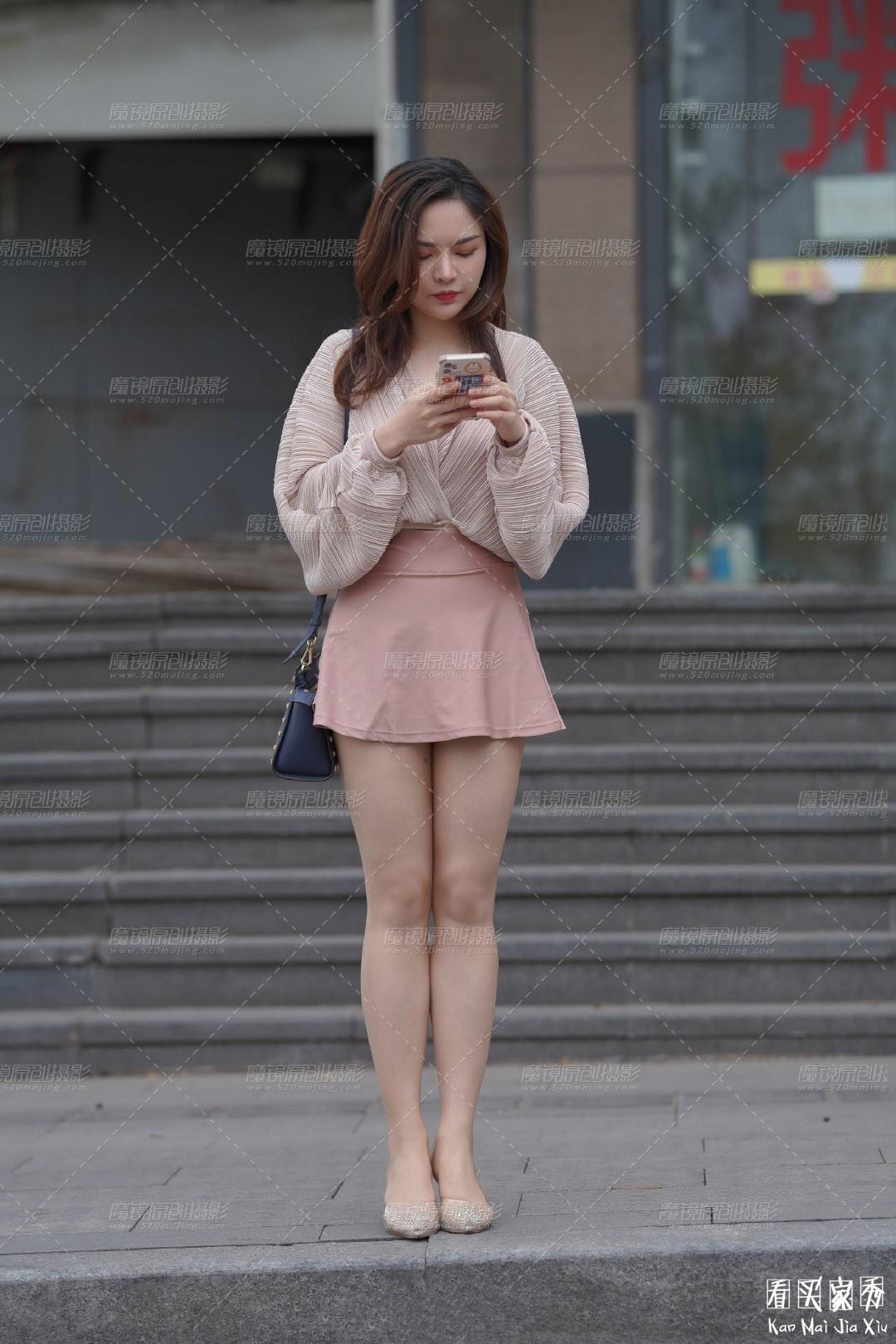[街拍美女]街拍超短裙露臀美女6