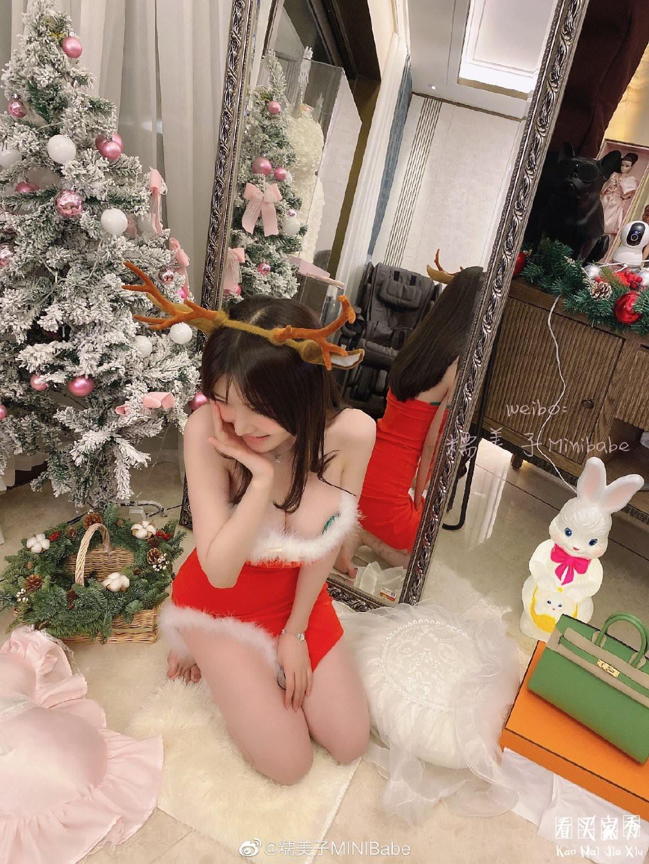 [微博福利]糯美子mini福利圣诞写真照3