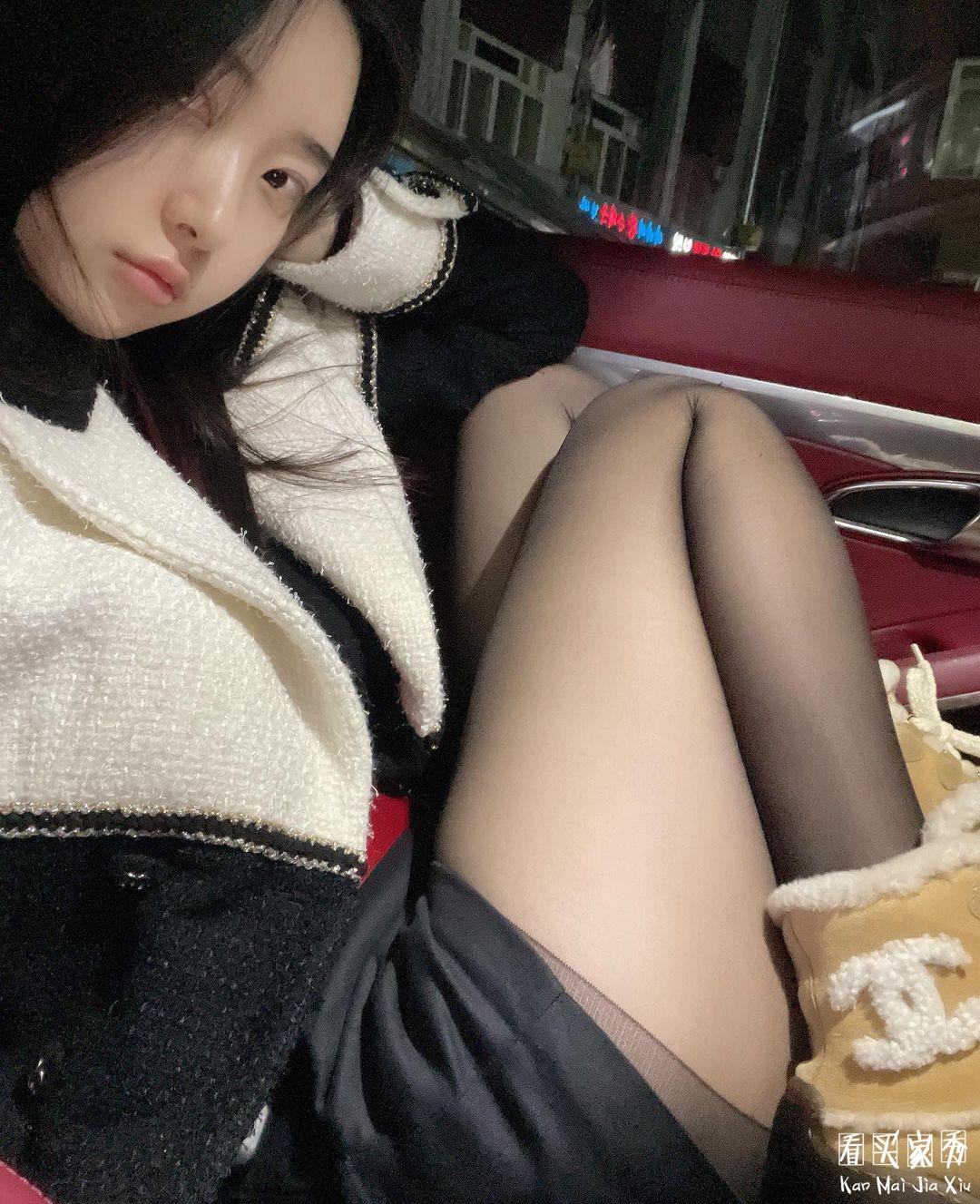 绫天生丝滑情趣女王黑丝买家秀,高端的丝袜配高端的腿3