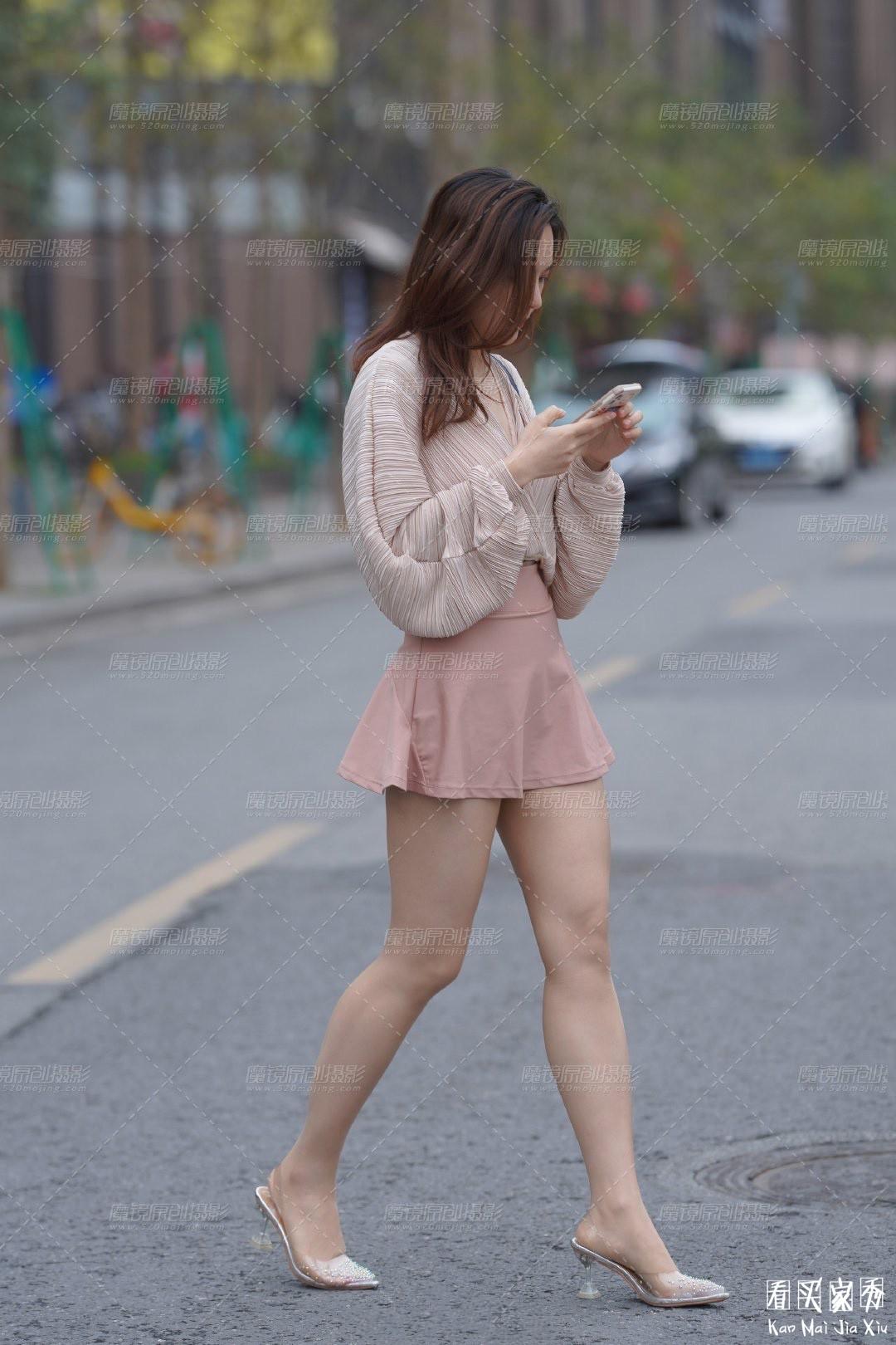 [街拍美女]街拍超短裙露臀美女10