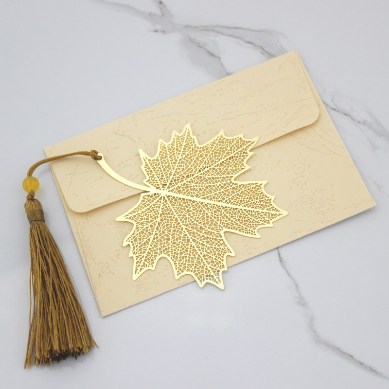 Sycamore Leaves. Letter Package. No Lettering
