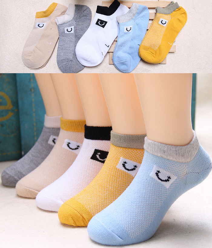 5 PAIRS OF SUMMER SMILE LABEL BOAT SOCKS