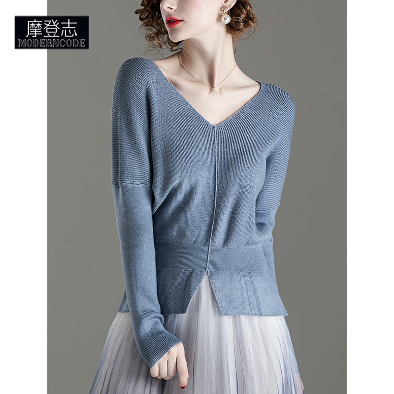 时尚开叉低领短款毛衣女蝙蝠袖浅蓝色针织上衣外穿百搭打底衫早春