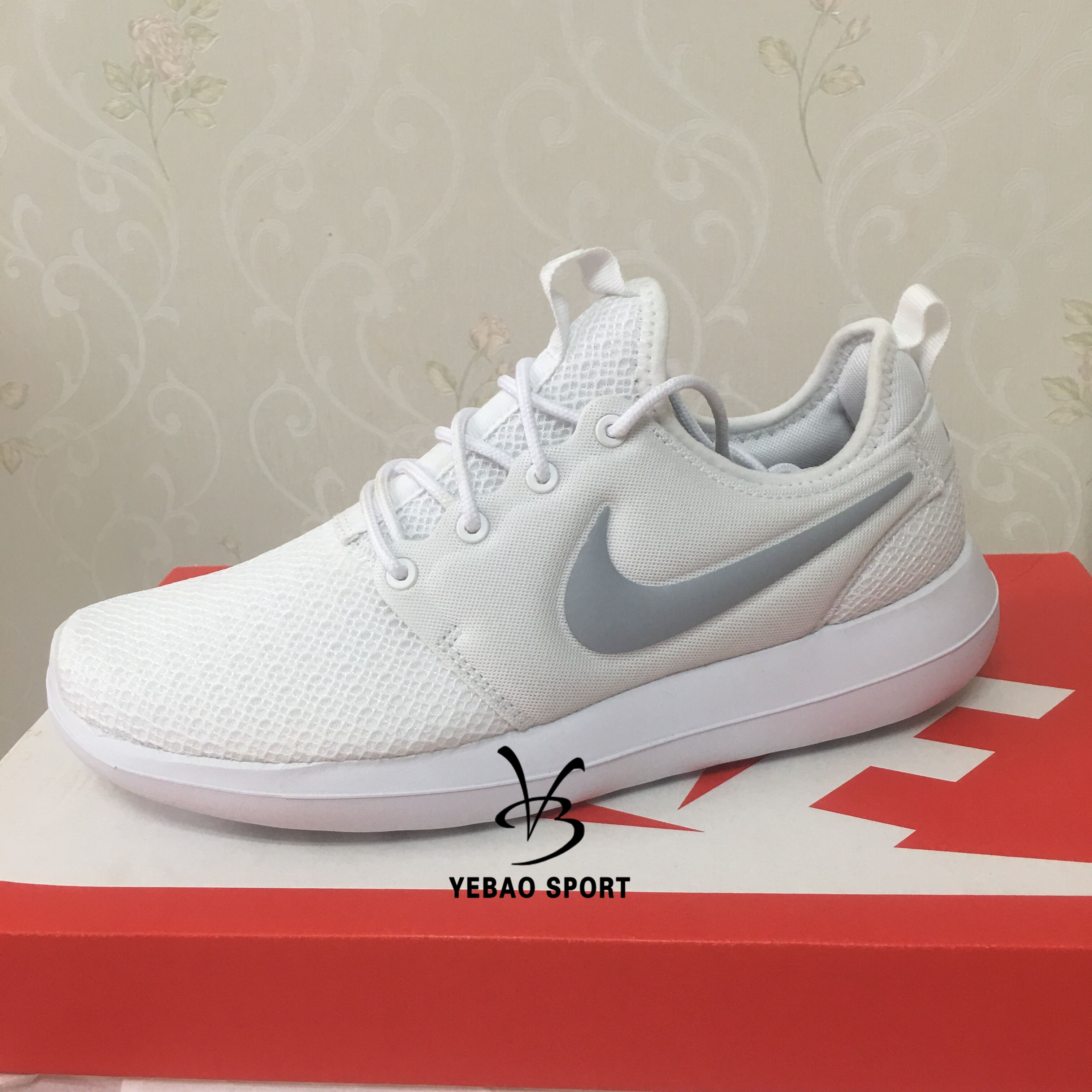 d92ff263f731 Nike ROSHE TWO women s sports running shoes 844931 002 006 100 101 007