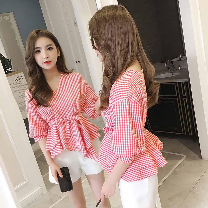 2018新款秋季韩版V领中袖格子衬衫不对称收腰泡泡袖修身上衣女装
