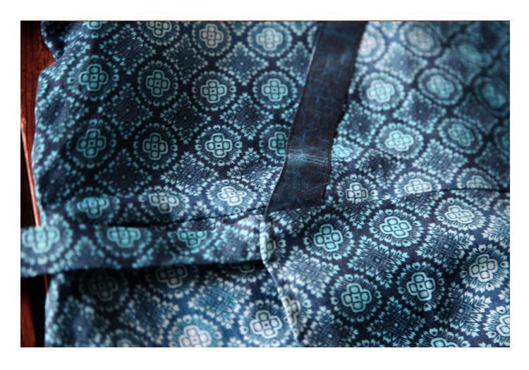 Tour Thiết kế ban đầu Trung Quốc phong cách lụa màn hình nối in Castor dress / tấm màu xanh