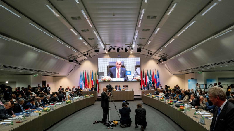 OPEC+可能随时召开紧急会议,部署进一步减产,但这可能无法提振油价!