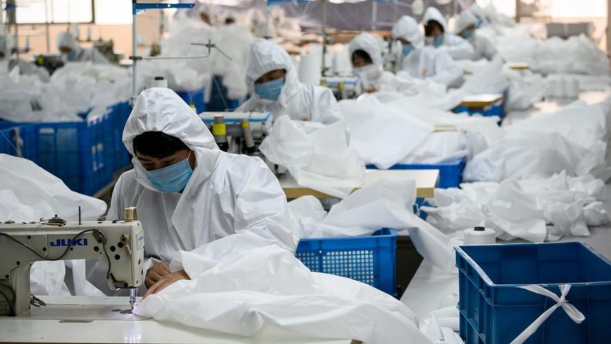 中国4月工业产值录得年内首次增长,但消费和投资仍然疲软