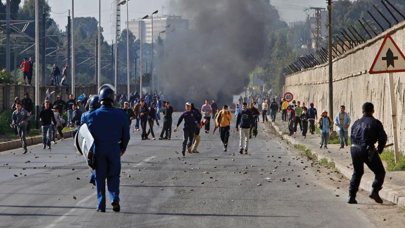 阿尔及利亚抗议活动升级,会不会成为另一个利比亚?