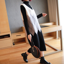 Sleeveless vest skirt for women in autumn and winter wear a long Plaid Wool Dress over the knee loose bottomed knitted strap dress
