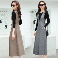 Show thin and foreign look and age reducing knee length skirt