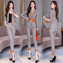2019 spring and Autumn New Women's clothing early autumn temperament fashion small suit suit suit western style short man thin two piece set