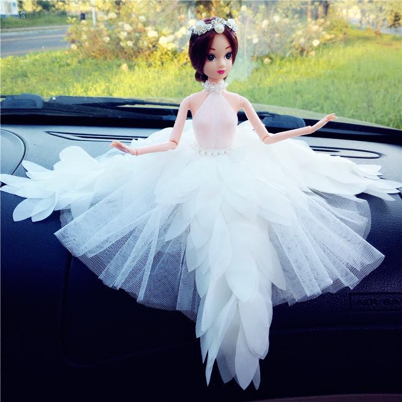 芭比车载娃娃公主车内装饰摆件儿童节女孩生日礼物羽毛款3D真眼